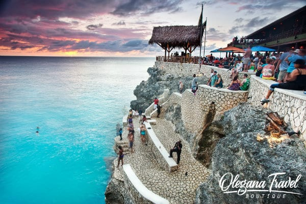 vacation destinations based on months of the year - Rick's Cafe, Negril, Jamaica