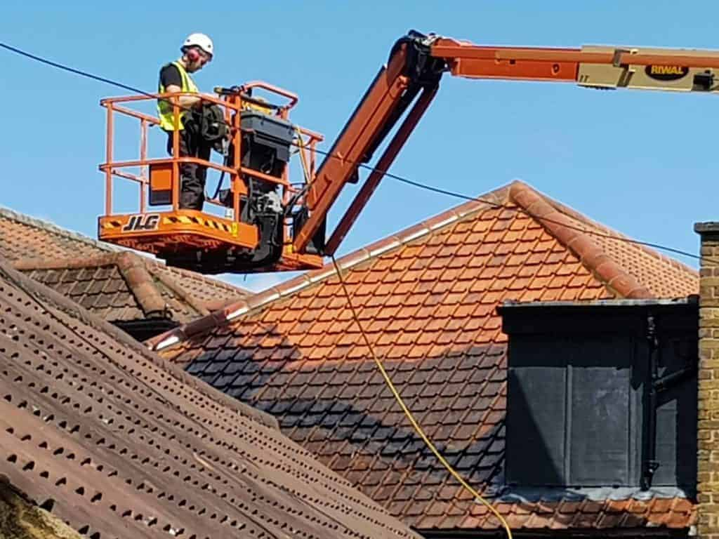 Safety is our upmost priority when roof waashing