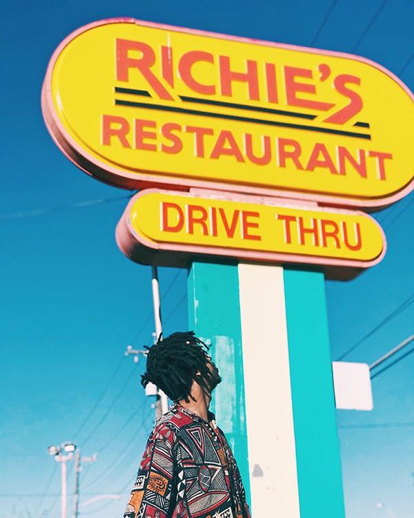 Richie's Restaurant – outdoor signs in Austin, Texas