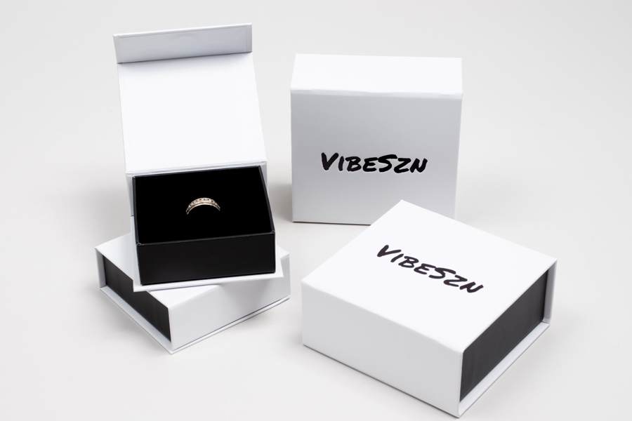 Custom jewelry packaging for Vibeszn