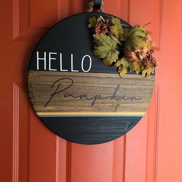 Hello Pumpkin Round Sign