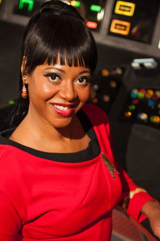 Kim Stinger as Uhura in Star Trek Continues Ep5, Come Not Between the Dragons