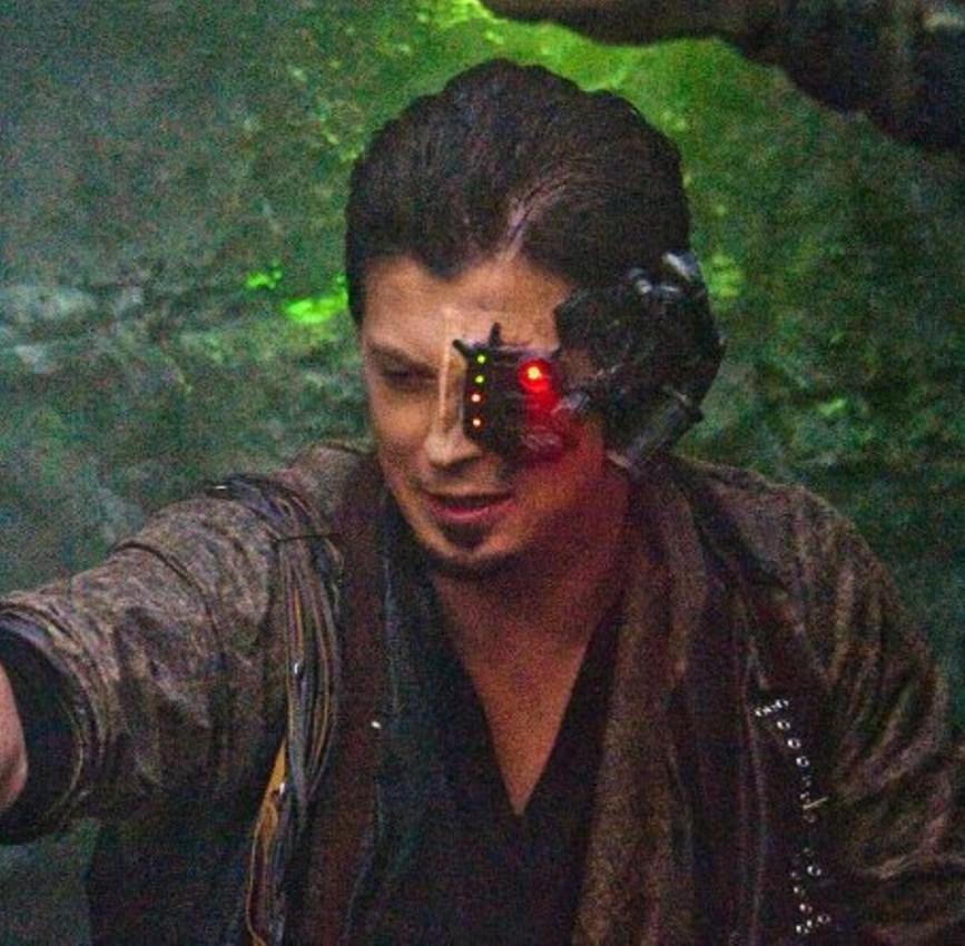 Manu Intiraymi as Icheb with Battle Gear, Star Trek Renegades - Sculpt, Makeup, Electronics by Tim Vittetoe, ImpaQt FX