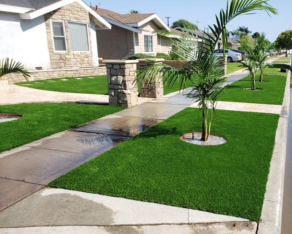 Residential Turf Front Yard Curb Area