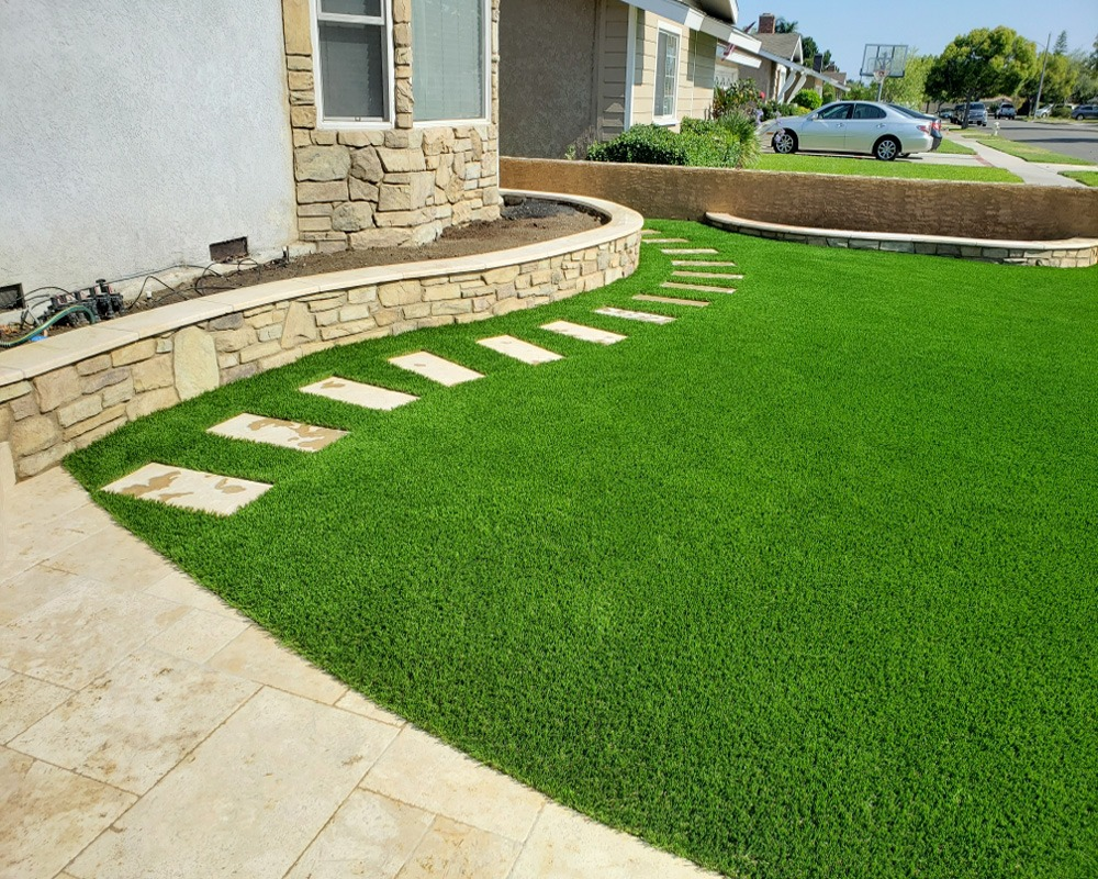 Residential Turf Front Side Yard