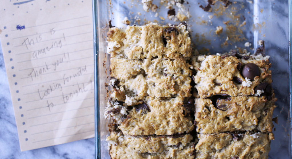 Chocolate Chip Almond Oatmeal Bake | Style in Shape
