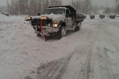 550 Pushing Snow