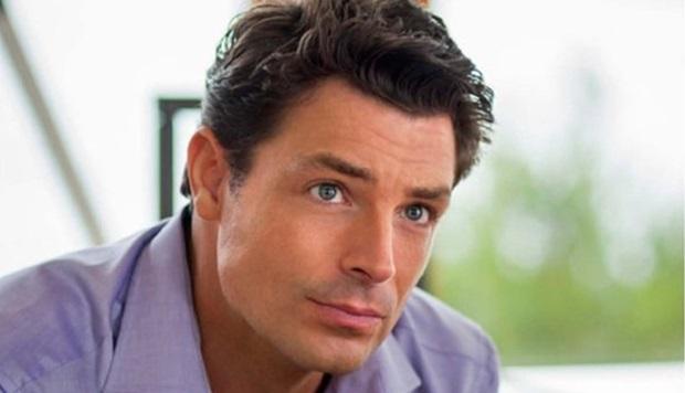 Brennan Elliott as Blake's brother Scott Miller