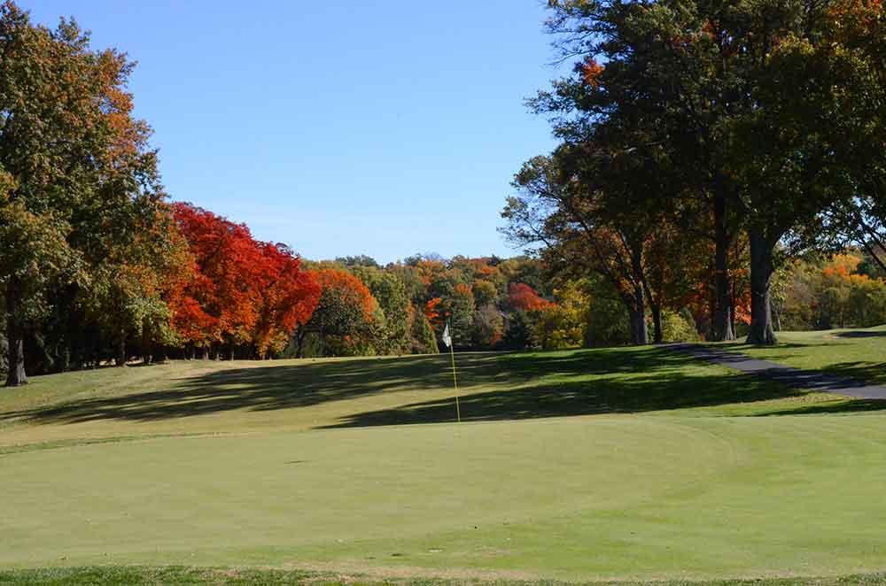 Algonquin-Golf-Club,-St-Louis,-MO-Approach Shot
