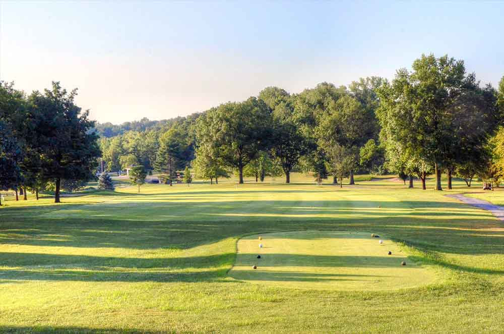 Ballwin-Golf-Course,-St-Louis,-MO-Tee