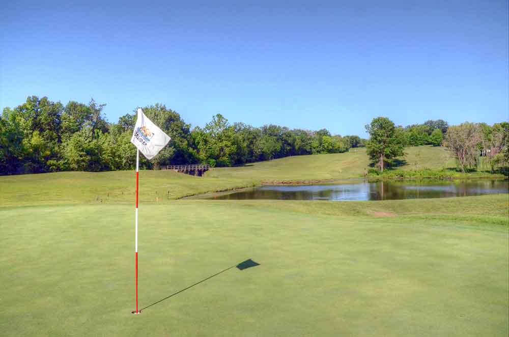 Bear-Creek-Golf-Club,-Wentzville,-MO-Flag