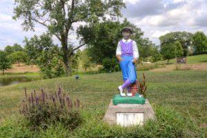 Bethany-Country-Club,-Bethany,-MO-Statue