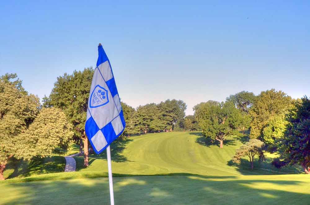Blue-Hills-Country-Club,-Kansas-City,-MO-Club-Flag