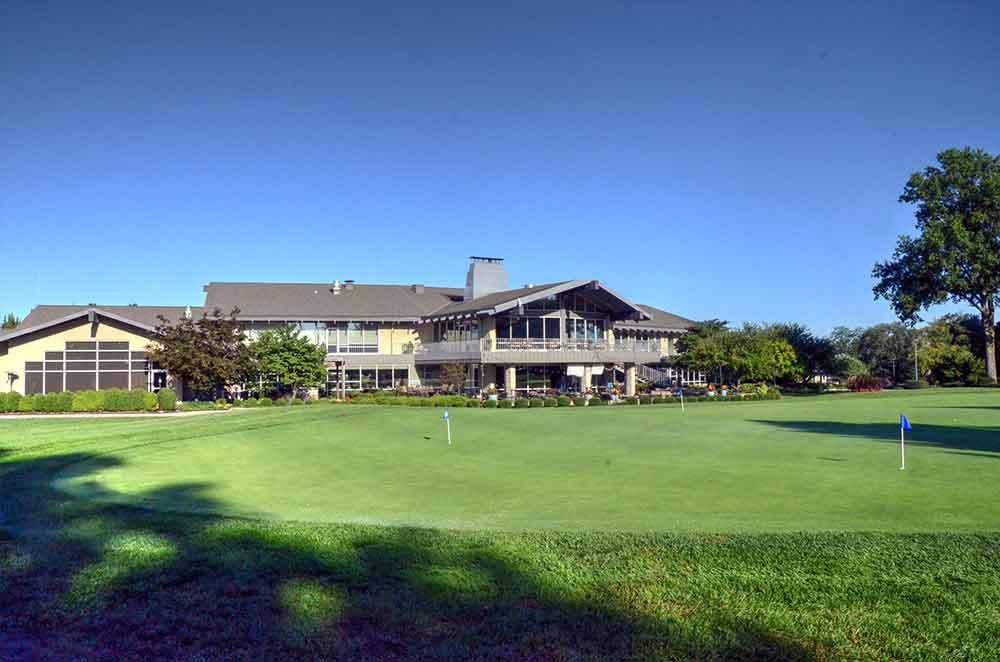 Blue-Hills-Country-Club,-Kansas-City,-MO-Club-House