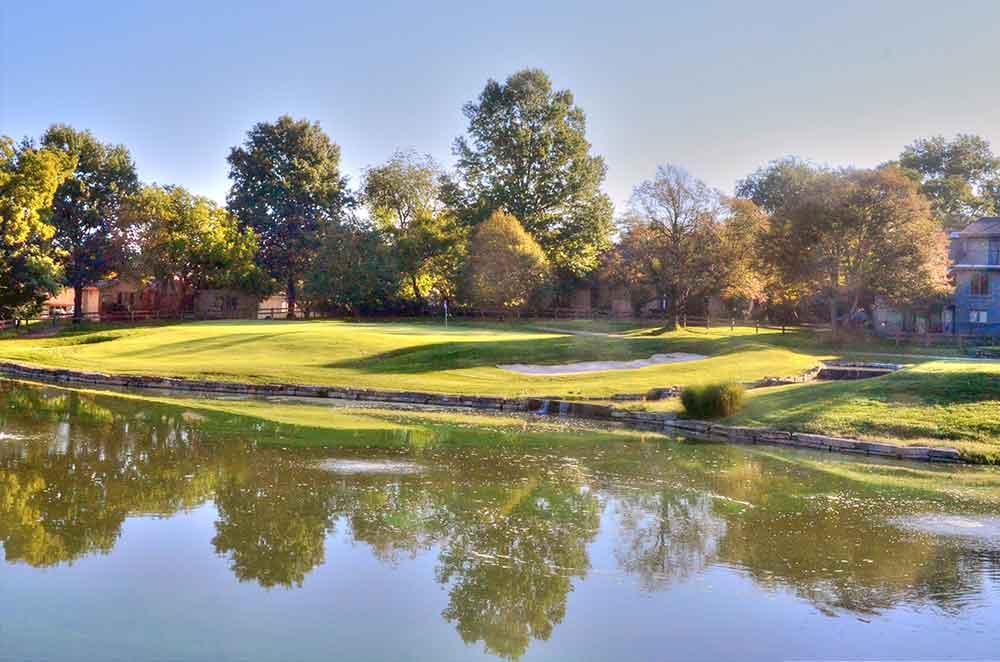 Blue-Hills-Country-Club,-Kansas-City,-MO-Lake