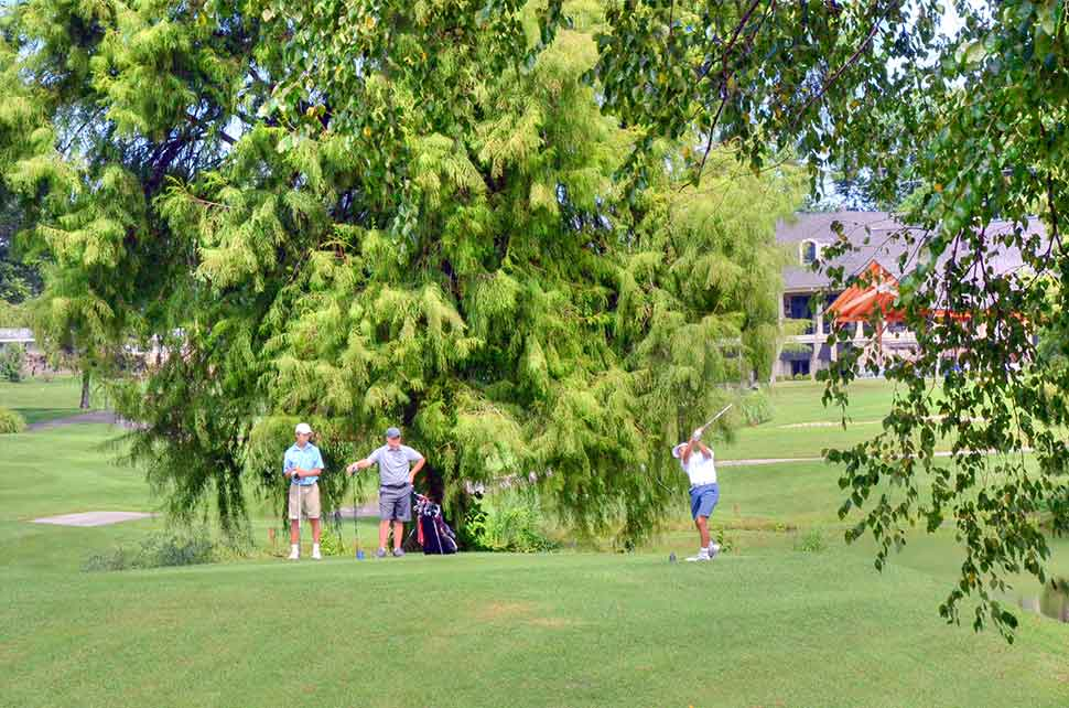 Bogey-Hills-Country-Club,-St-Charles,-MO-Drive