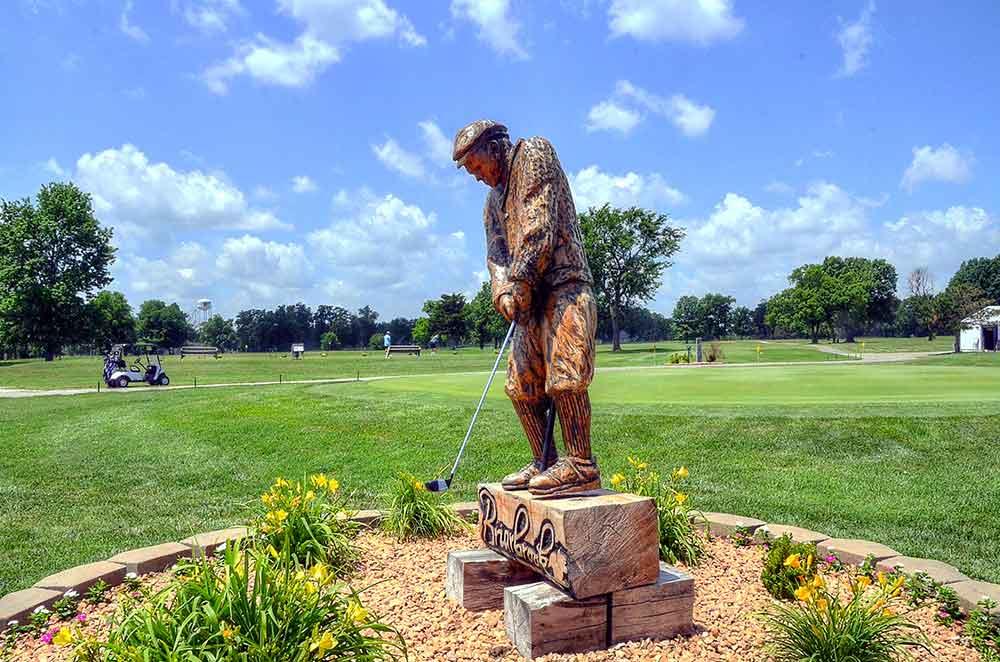 Briarbrook-Golf-Club,-Joplin,-MO-Statue