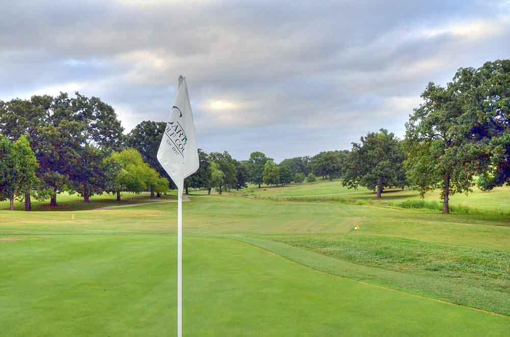 Carthage-Golf-Course,-Carthage,-MO-Flag2