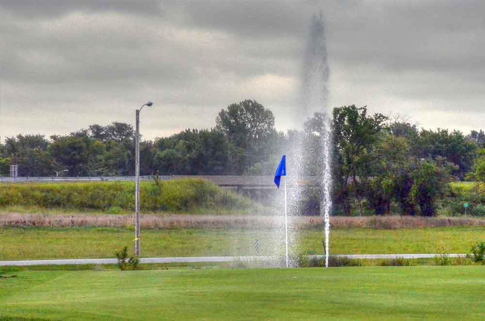 Carthage-Golf-Course,-Carthage,-MO-Fountain