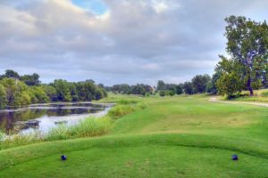 Carthage-Golf-Course,-Carthage,-MO-Lake
