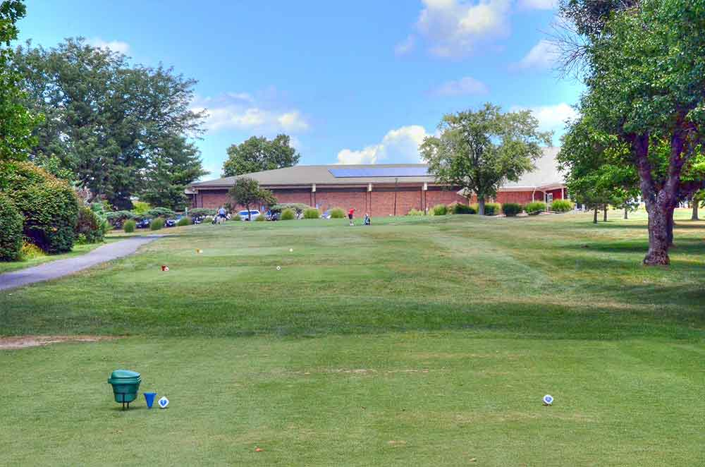 Creve-Coeur-Golf-Course,-St-Louis,-MO-Tee