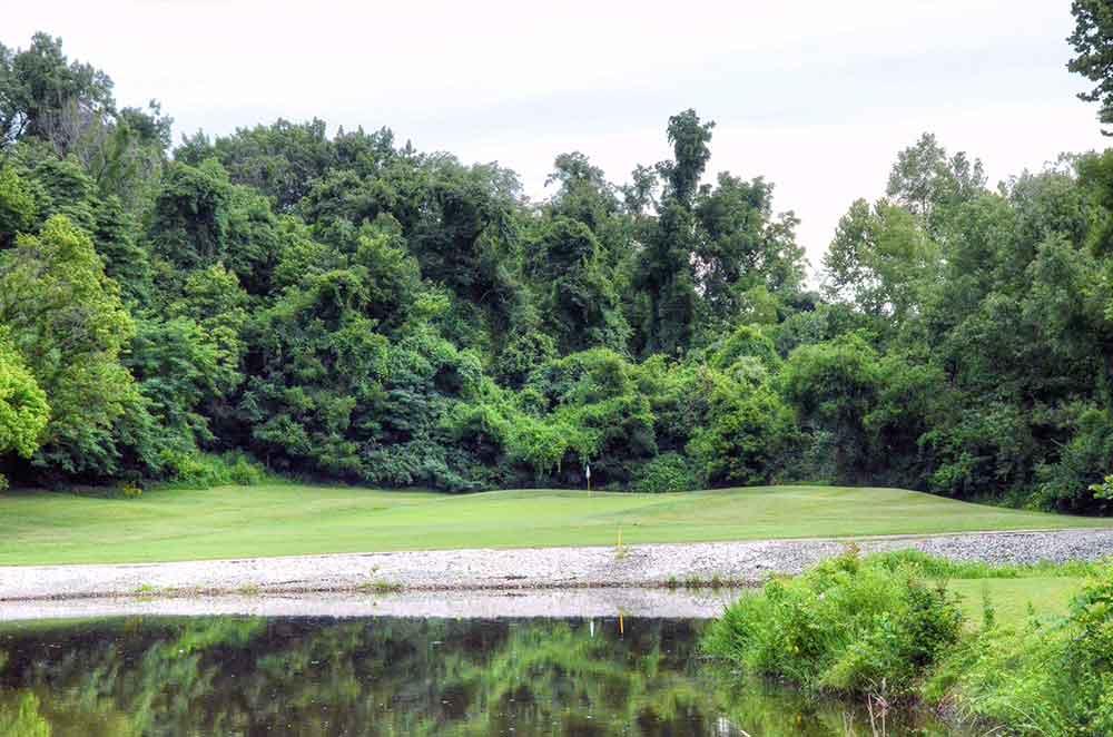 Eagle-Springs-Golf-Course,-St-Louis,-MO-Lake
