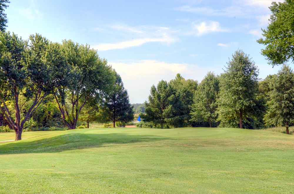 Gene-Pray-Memorial-Golf-Course,-El-Dorado-Springs,-MO-Approach