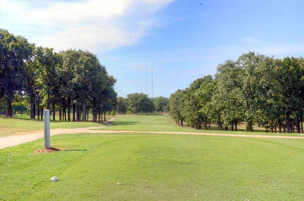 Gene-Pray-Memorial-Golf-Course,-El-Dorado-Springs,-MO-Fairway