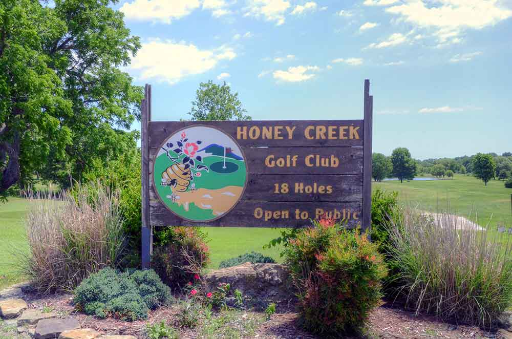 Honey-Creek-Golf-Club,-Aurora,-MO-Sign