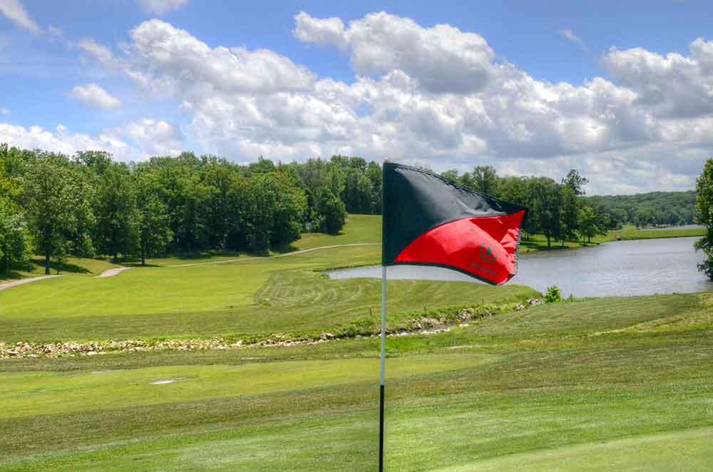 Innsbrook-Golf-Resort,-Innsbrook,-MO-Flag