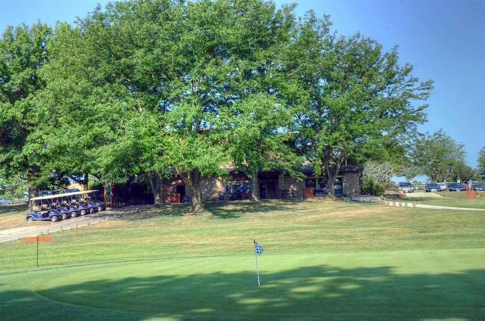 Minor-Park-Golf-Course,-Kansas-City,-MO-ClubHouse