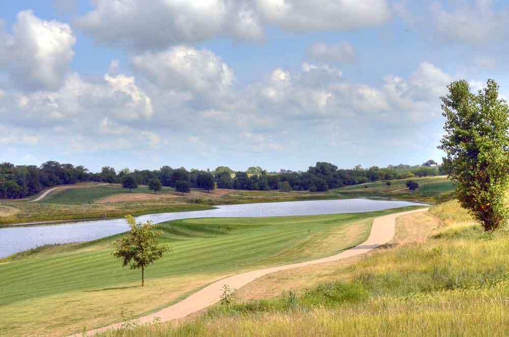 Mozingo-Lake-Recreational-Park-Golf-Course,-Maryville,-MO-Fairway