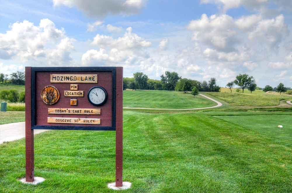 Mozingo-Lake-Recreational-Park-Golf-Course,-Maryville,-MO-Hole-1