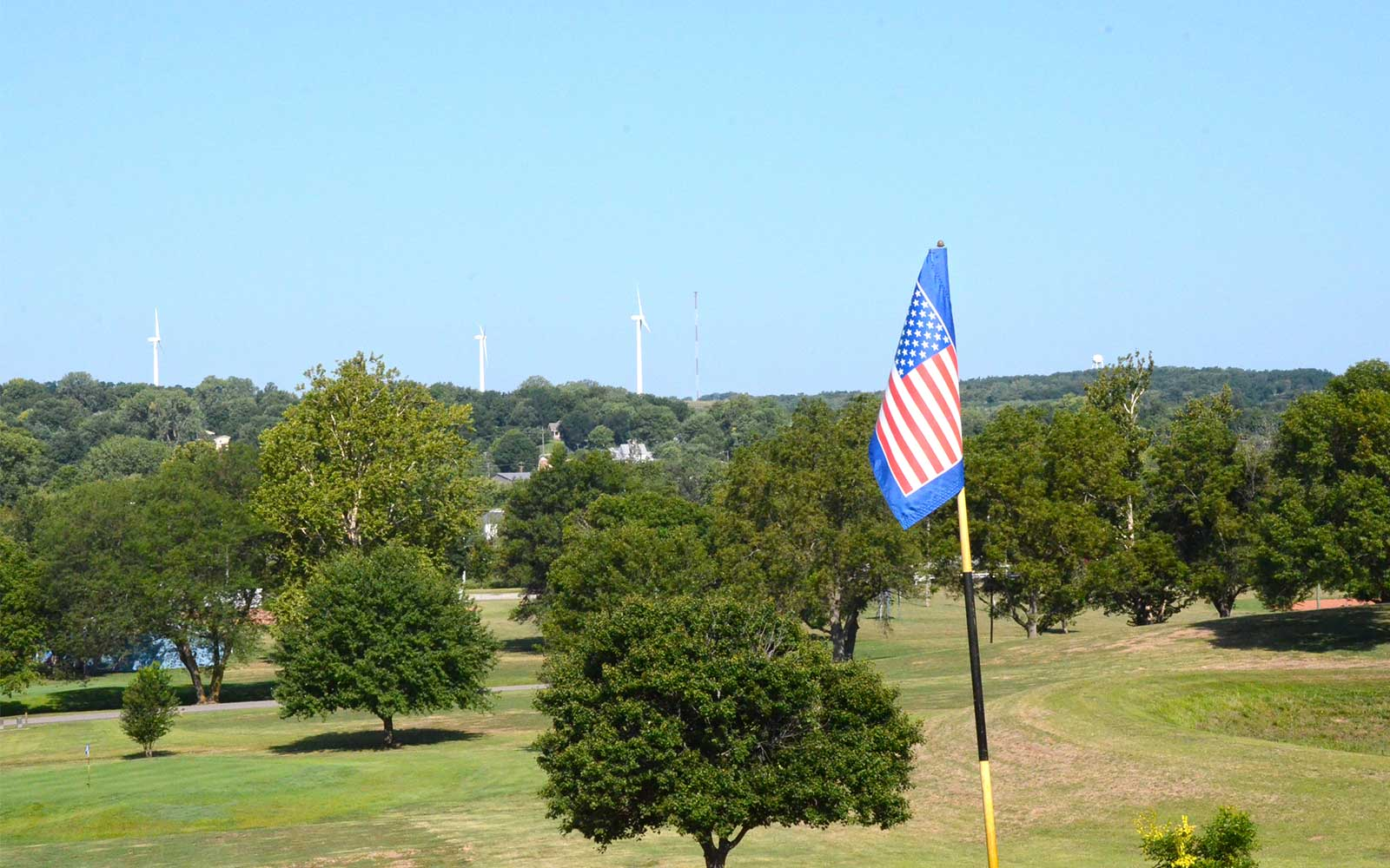 Rock-Port-Golf-and-Country-Club,-Rock-Port,-MO-Windmills
