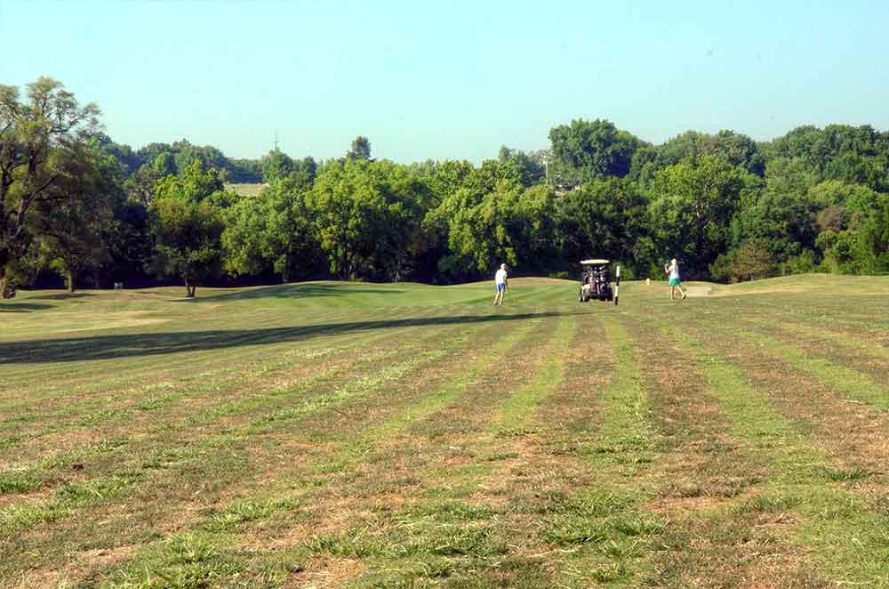 Royal-Meadows-Golf-Club,-Kansas-City,-MO-Club-Fairway
