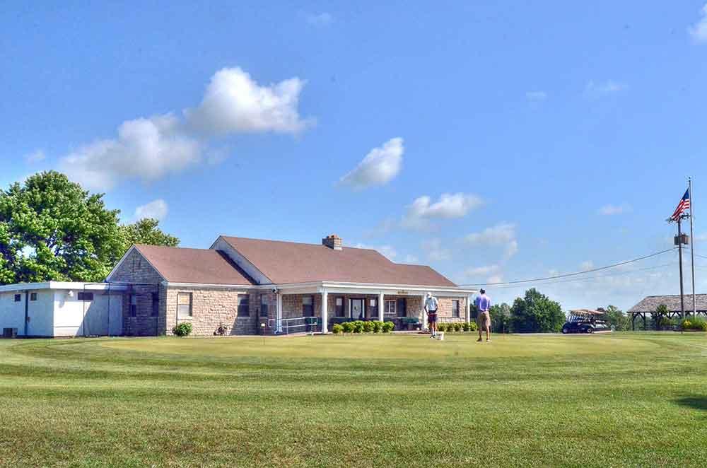 Schifferdecker-Golf-Course,-Joplin,-MO-Club-House