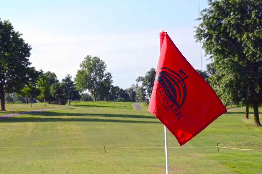 Schifferdecker-Golf-Course,-Joplin,-MO-Flag