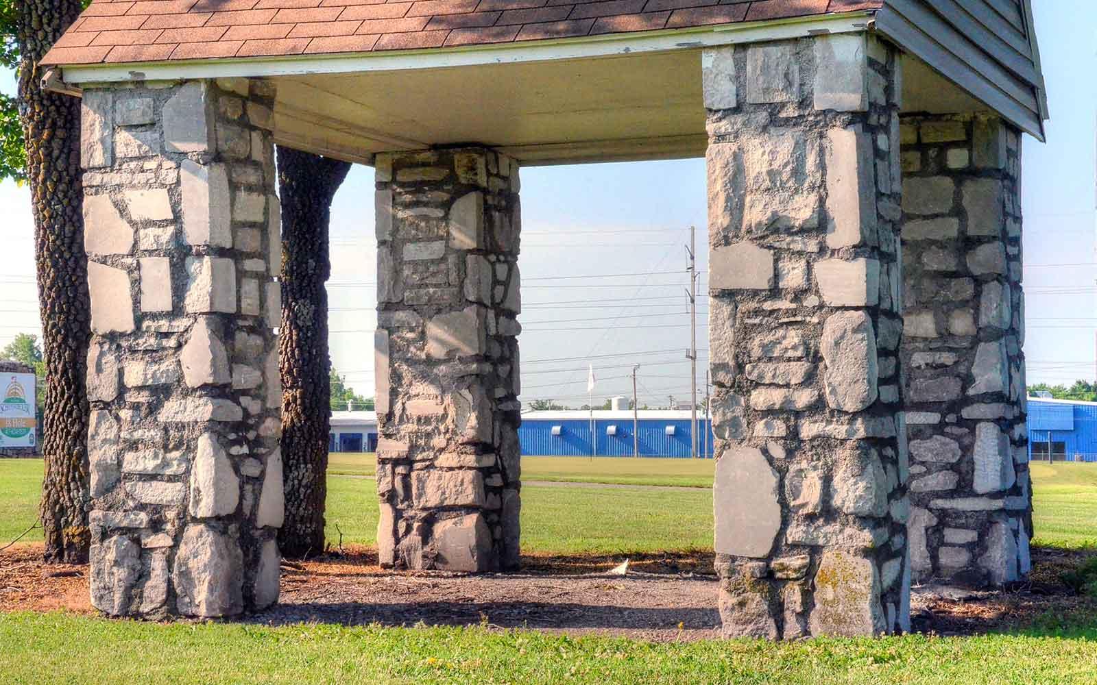 Schifferdecker-Golf-Course,-Joplin,-MO-Hut