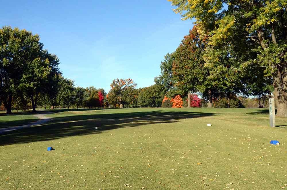 Shamrock-Hills-Golf-Club,-Kansas-City,-MO-Tee