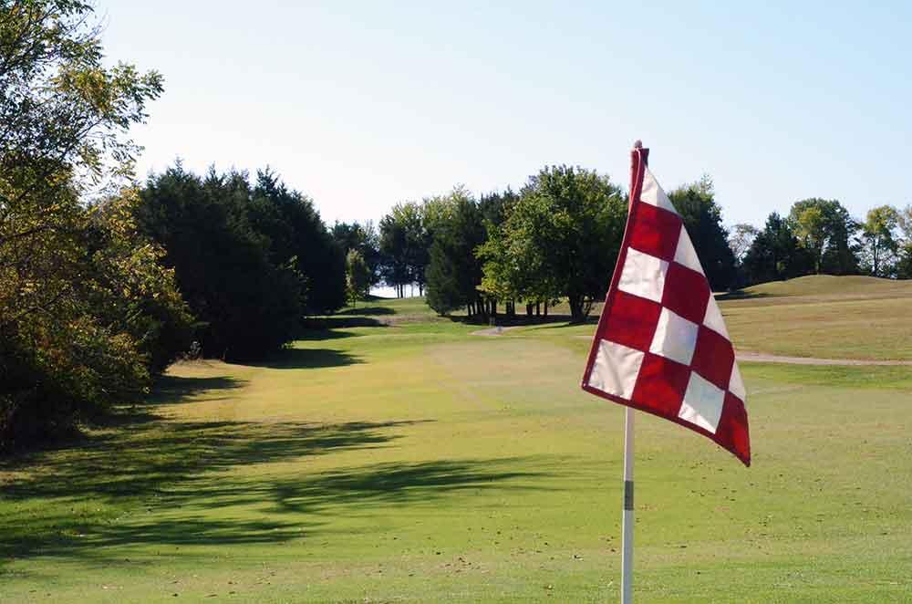 St-Francois-Country-Club,-Farmington,-MO-Flag
