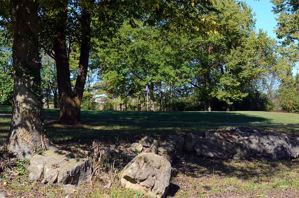 St-Francois-Country-Club,-Farmington,-MO-Rocks