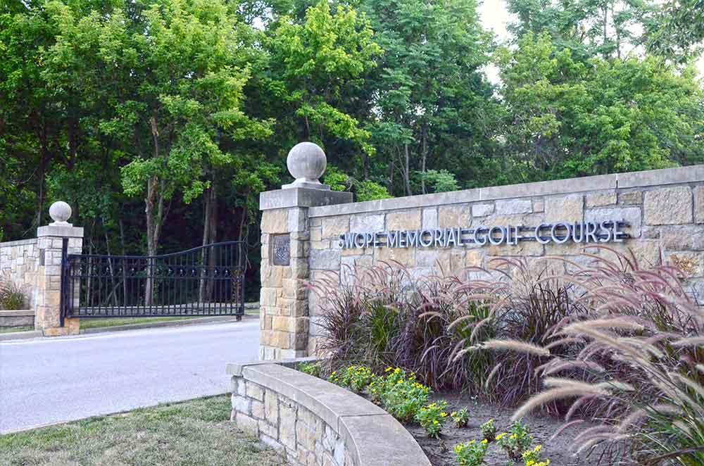 Swope-Memorial-Golf-Course,-Kansas-City,-MO-Gate