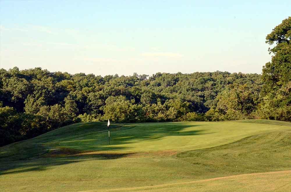 Swope-Memorial-Golf-Course,-Kansas-City,-MO-Woods