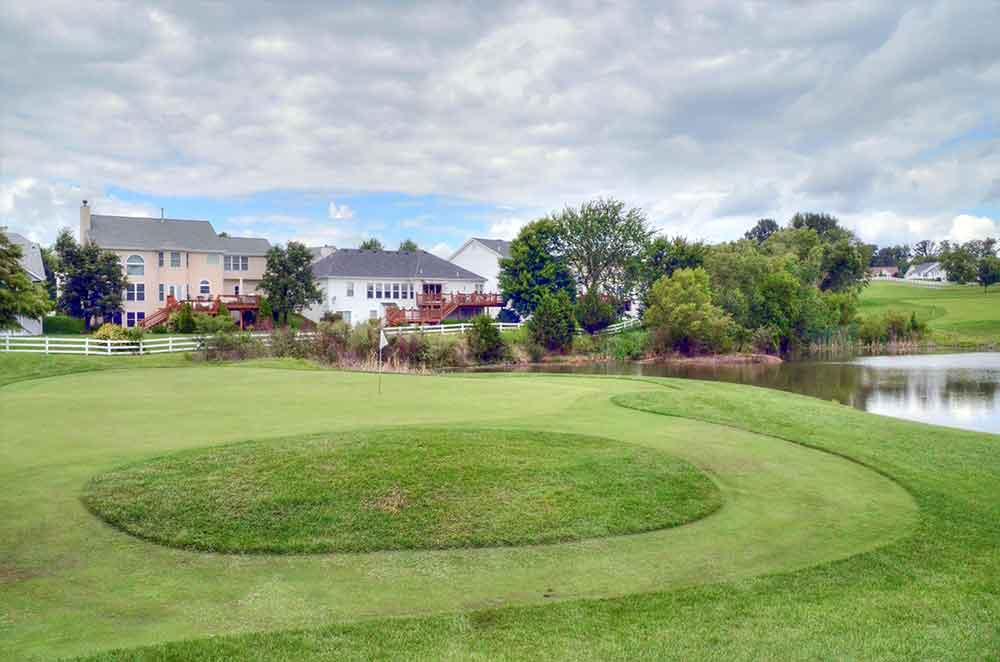 The-Falls-Golf-Club,-O'Fallon,-MO-Island