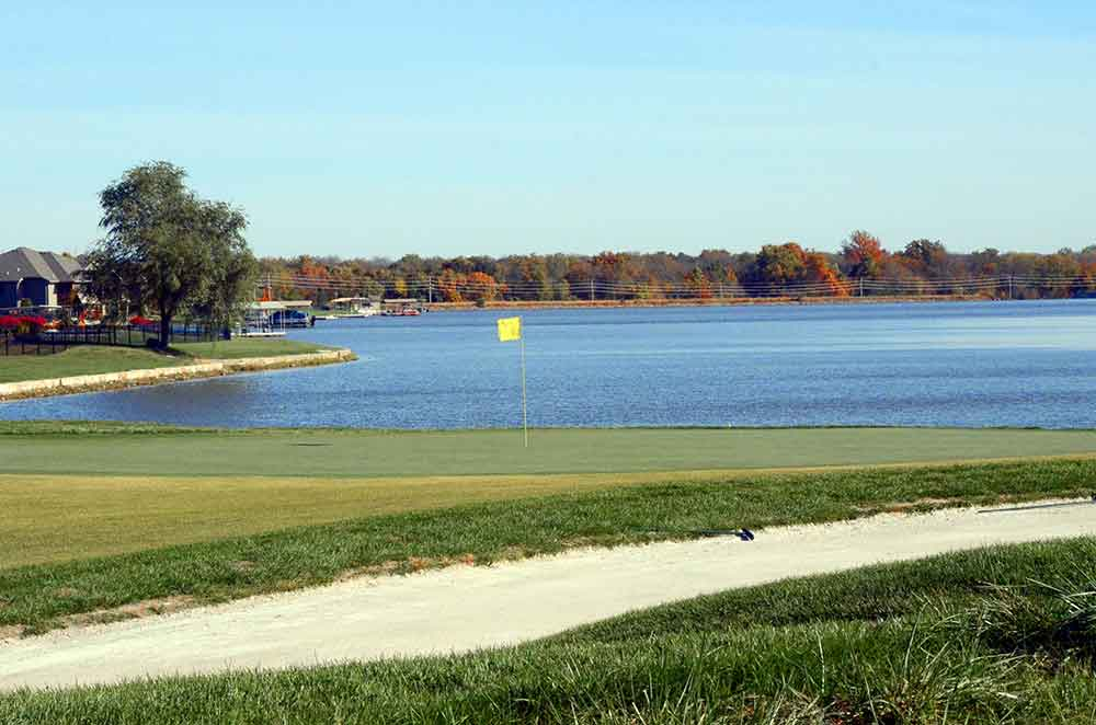 The-Golf-Club-at-Creekmoor,-Raymore,-MO-Lake