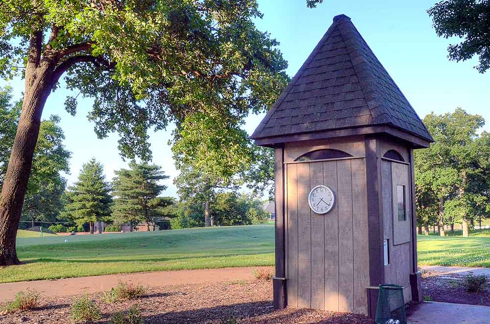 Twin-Hills-Country-Club,-Joplin,-MO-Clock