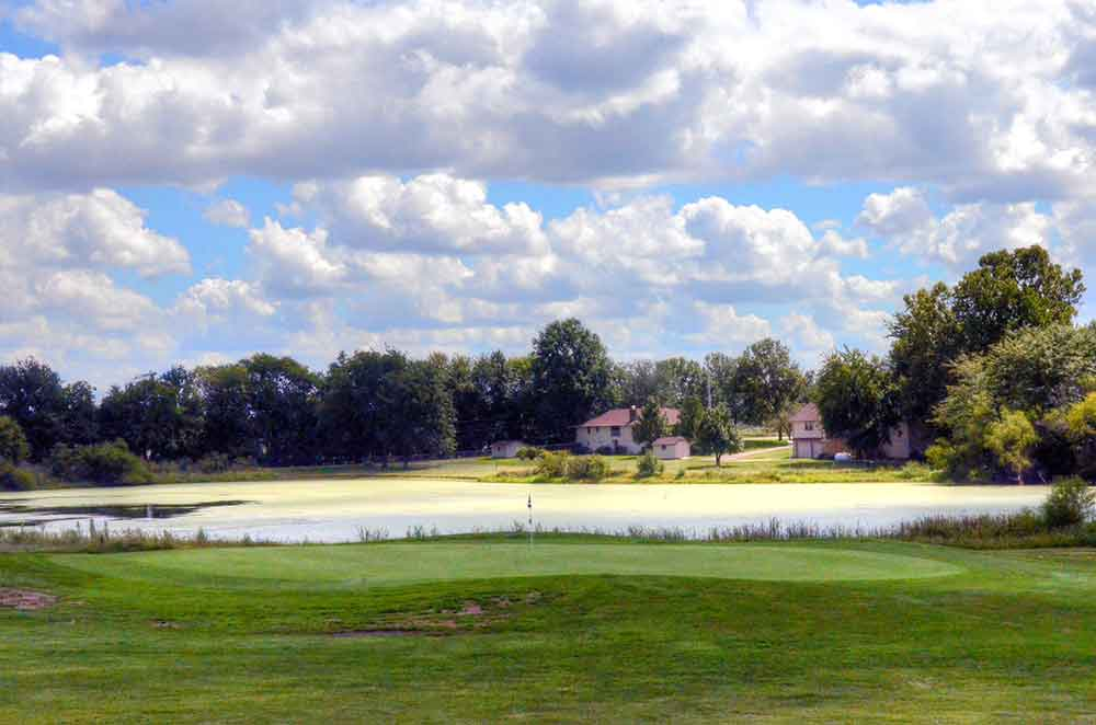 Twin-Pines-Country-Club,-Harrisonville,-MO-Lake