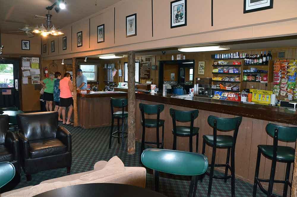 Warrenton-Golf-Course,-Warrenton,-MO--Pro-Shop