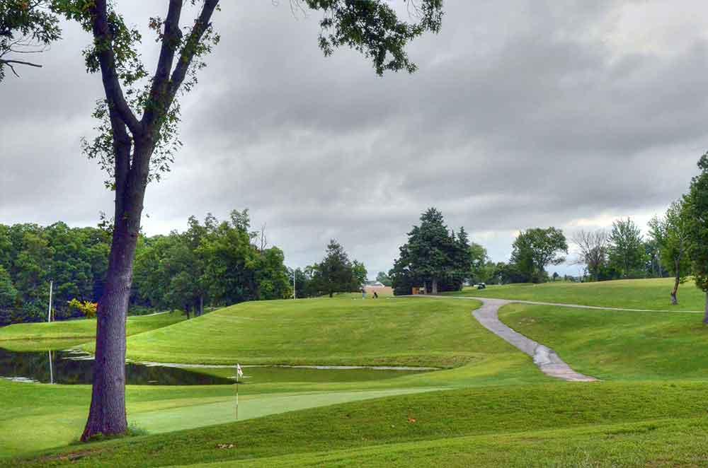 Warrenton-Golf-Course,-Warrenton,-MO--Tree