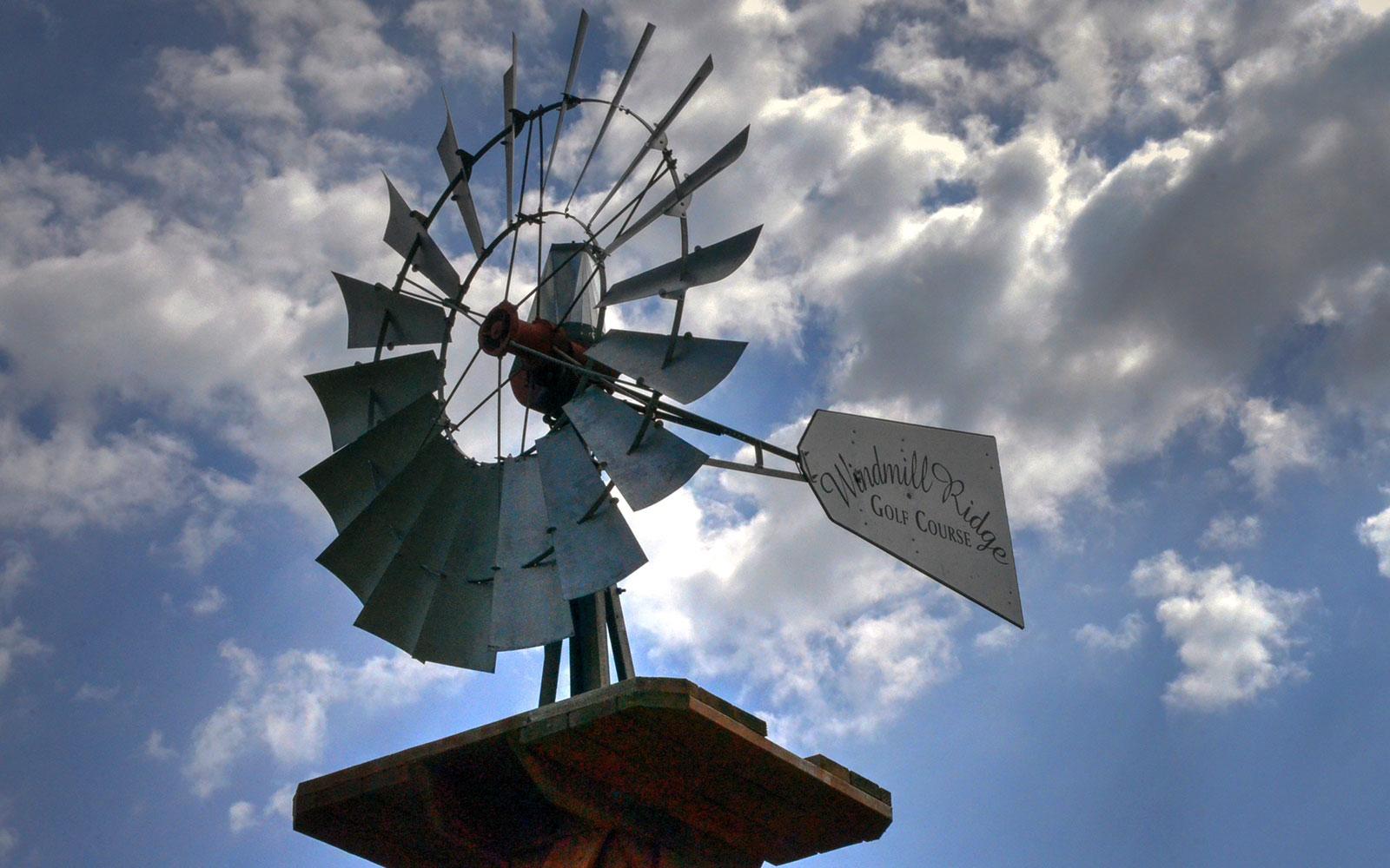 Windmill-Ridge,-Monett,-MO-Windmill
